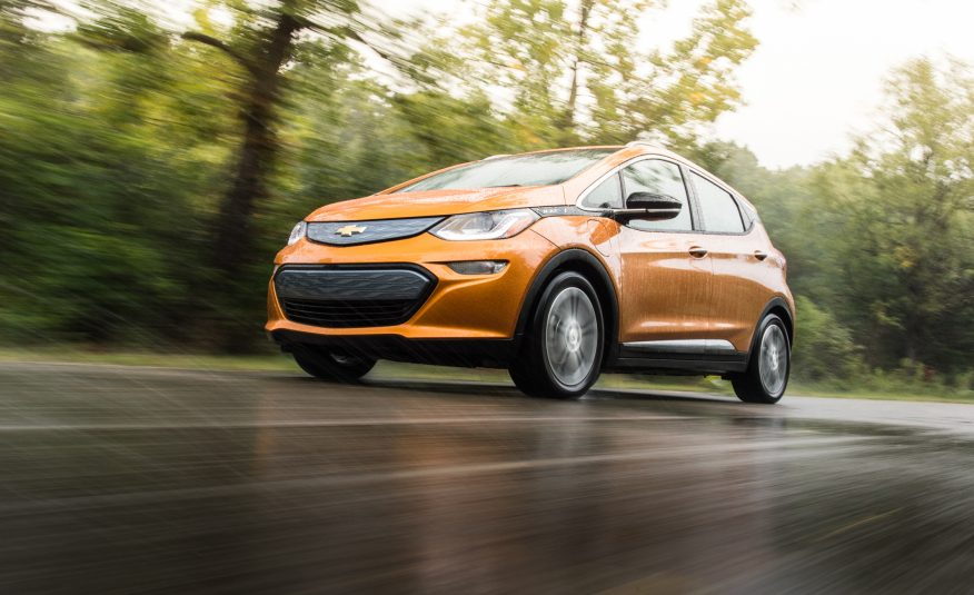 2017 chevrolet bolt driving in rain